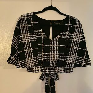AKIRA houndstooth crop top - SIZE M